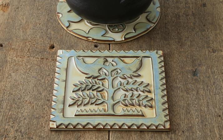 2羽の鳥が可愛らしい北欧風のデザイン