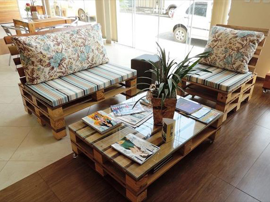 handmade-pallet-living-room-sitting-furniture-set