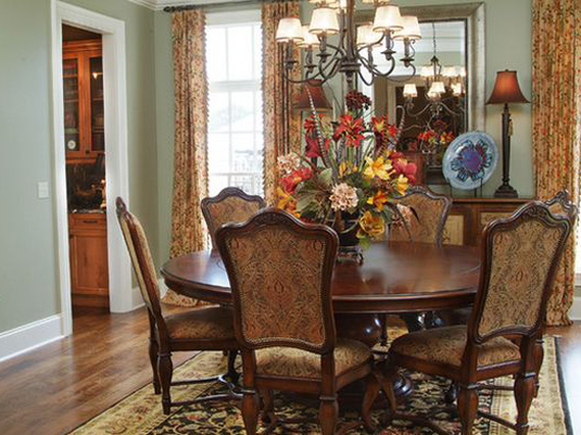 traditional-dining-room-round-table-fall-flowers