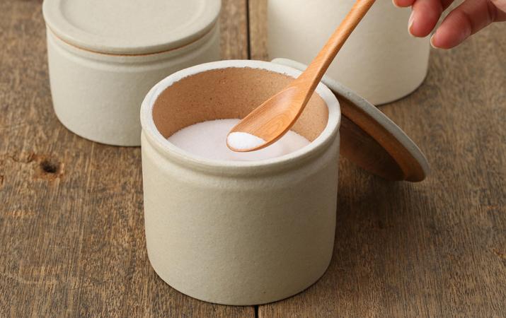 塩や砂糖を湿気から守ります