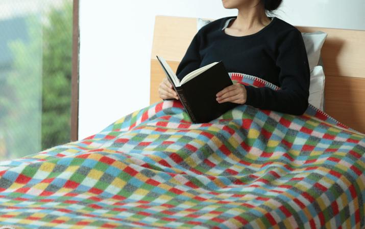 毛布サイズの大判ブランケット