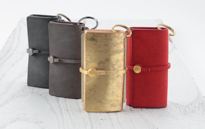名刺サイズのお財布、見た事ありますか?