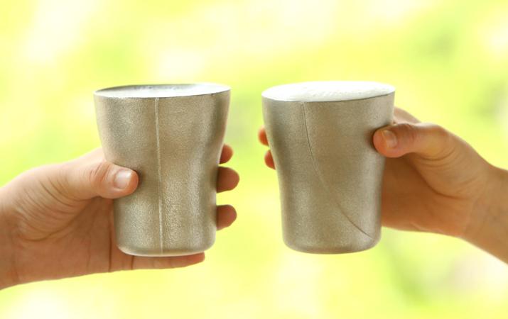グイグイ飲めちゃうビアカップ