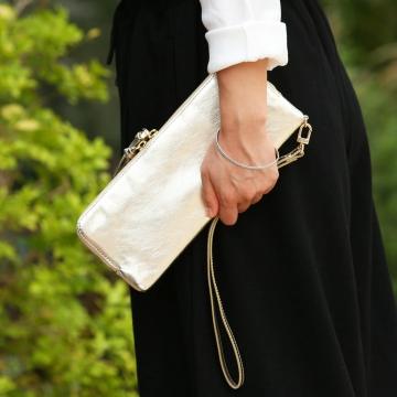 まるでクラッチバッグ。スタイリッシュなお財布