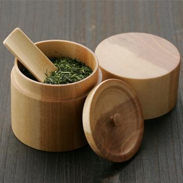 木工職人の技がつまった茶筒