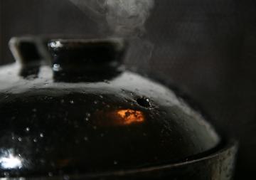 面倒な火加減いらずの炊飯釜