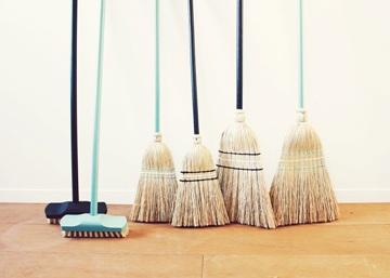 今日から「ほうき」を掃除の主役に