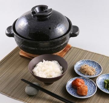 かまどで炊いたようなご飯を、土鍋で。