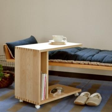 ソファの上にセットできるテーブル