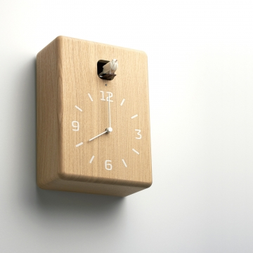 なんだか懐かしい鳩時計でリラックス