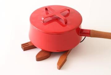 変幻自在のキュートな鍋敷き