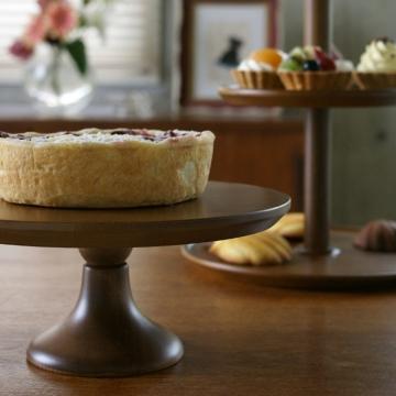 木製のケーキスタンド