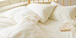 自然素材の寝具は夏に嬉しい効果も。
