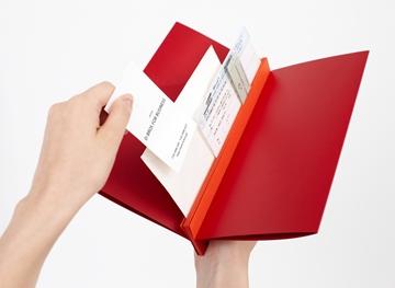 紙の圧力で挟む!画期的なファイル