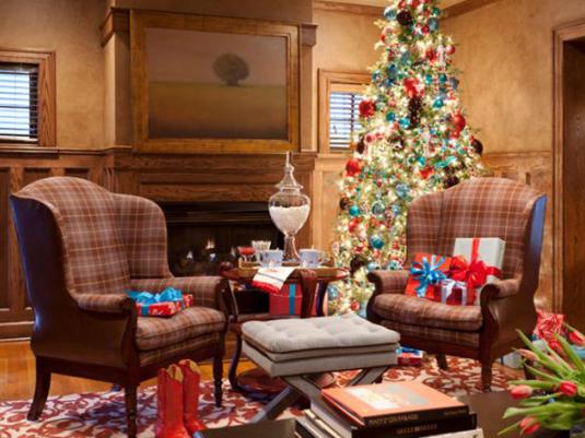 reading-nook-christmas-tree-decor