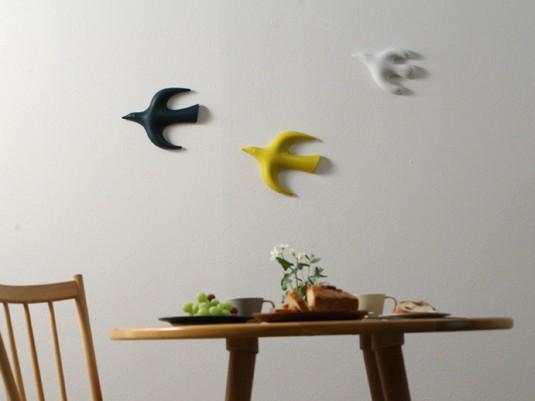 一気に華やか、鳥の壁掛けオブジェ