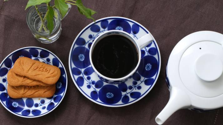 コーヒーブレイクを華やかに彩るマグセット